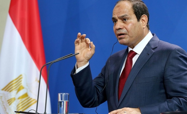 Sisi promises to reexamine protest law