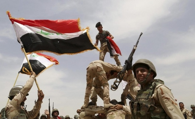 Iraqi army retakes village south of Mosul from ISIL
