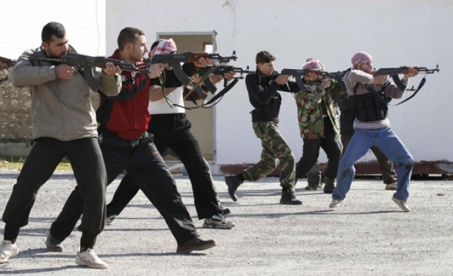Syria: Pentagon armed rebels fight those armed by the CIA
