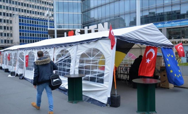 'Anti-terror' tent pitched in central Brussels