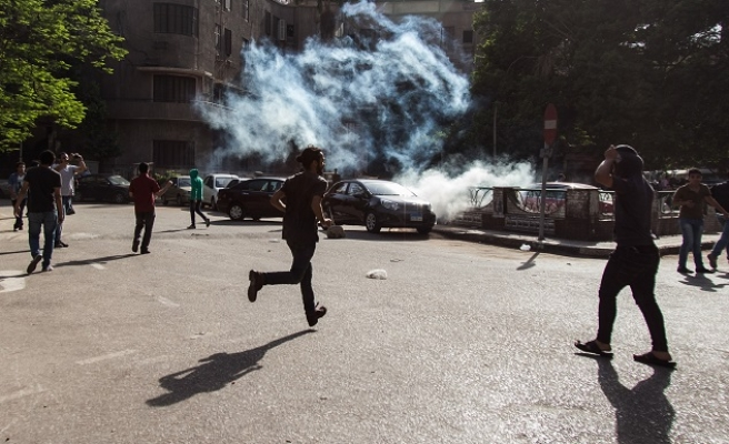 Egypt police harshly disperse Cairo protests