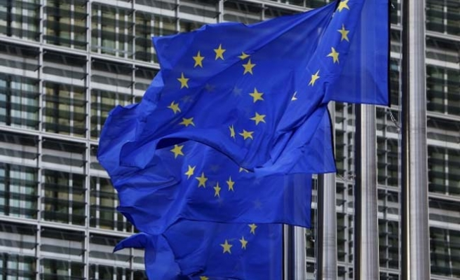 EU Parliament urges fight against Russia 'propaganda'