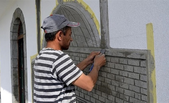 Syrian refugee stonemason rebuilds his life in Turkey