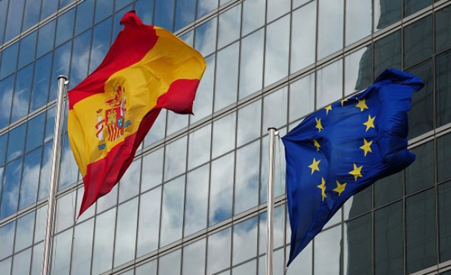 Spain sees record fall in unemployment