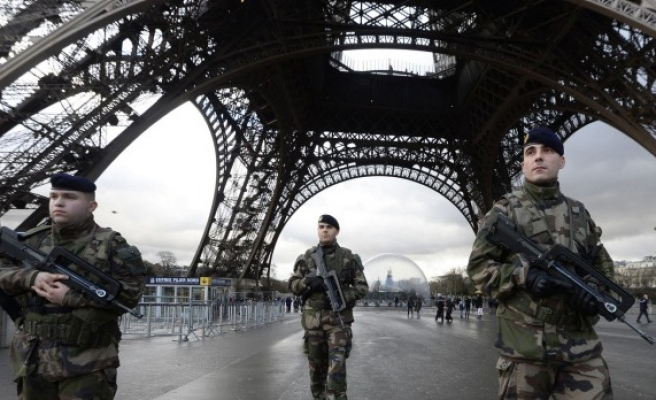 France 'sees drop' in Islamophobic attacks
