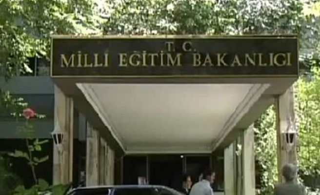 Turkish Education Ministry suspends 15,200 personnel