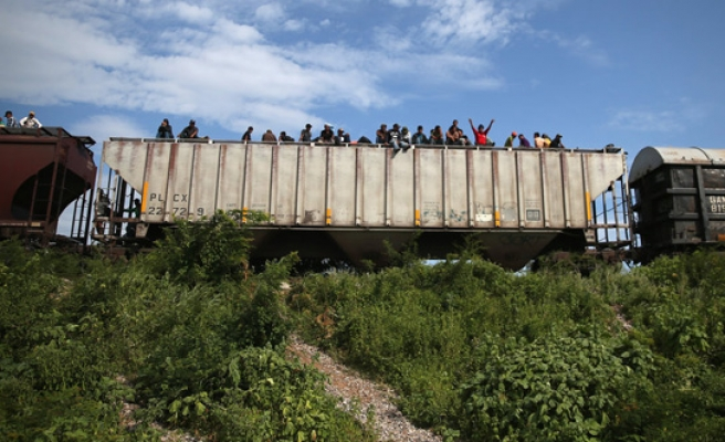 Spike in illegal border crossings from Mexico: US