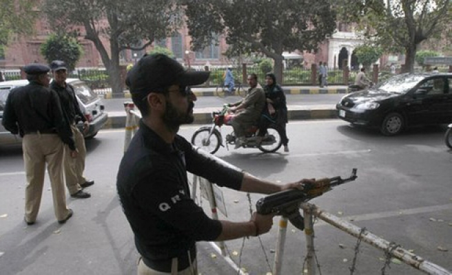 Pakistan police and protesters clash, hundreds arrested