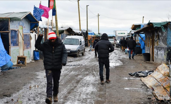 Over 4,000 moved from Calais camp