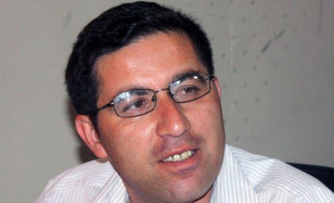Tajik court jails opposition lawyers for over 20 years