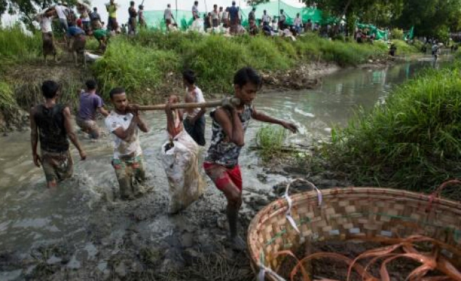 Myanmar urged to ensure aid reaches Rakhine