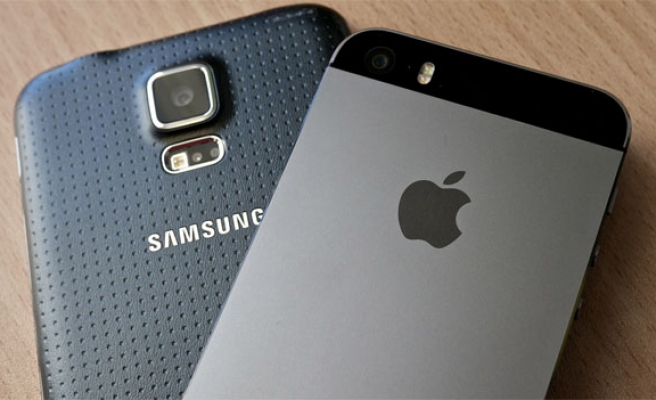 Supreme Court favors Samsung over Apple in patent case