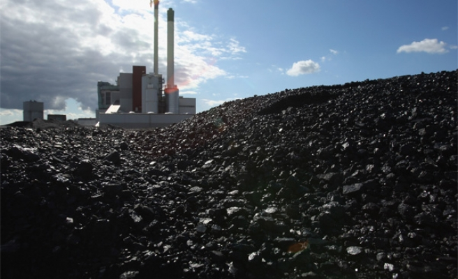 Canada vows to end coal burning by 2030
