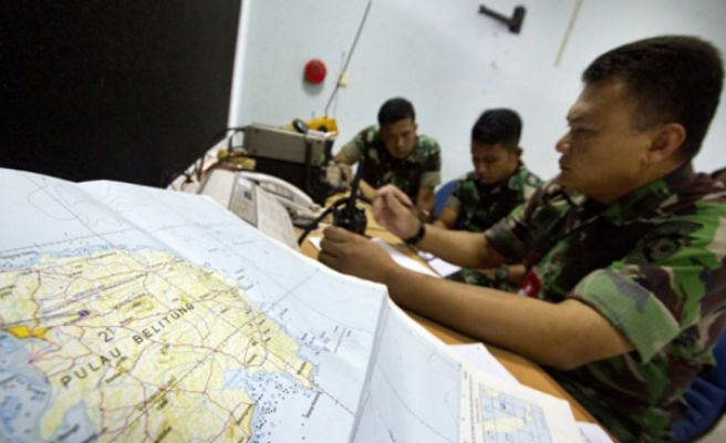 Indonesian army helicopter carrying five goes missing