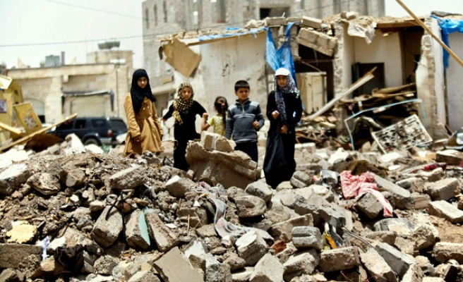 Hundreds protest against UN peace plan in Yemen's Sanaa