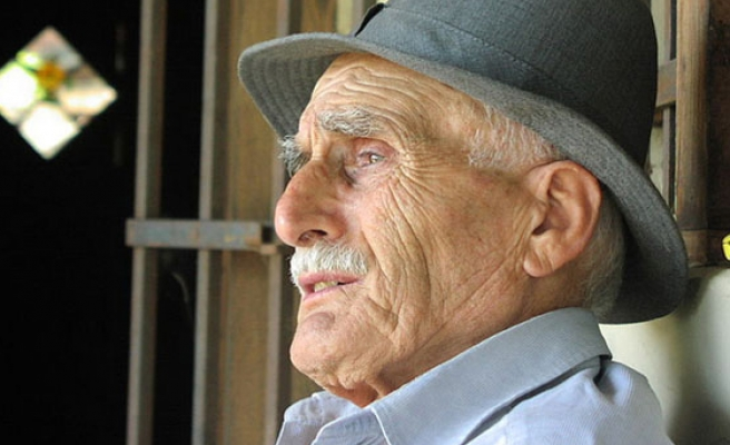 France's ageing men: centenarians to hit high in 2070