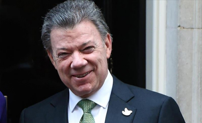 Colombian president in Belfast after peace collapse