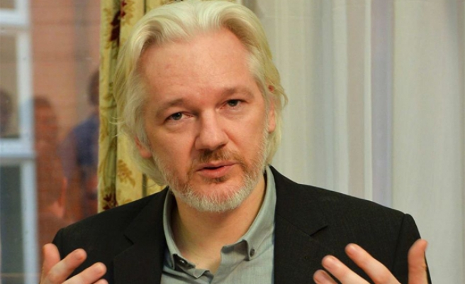 Assange blasts Clinton on Russia email leak claims