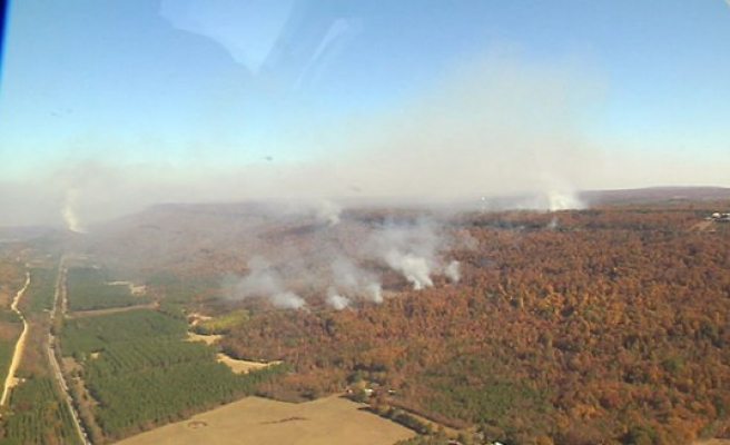 Residents forced to flee Tennessee wildfire