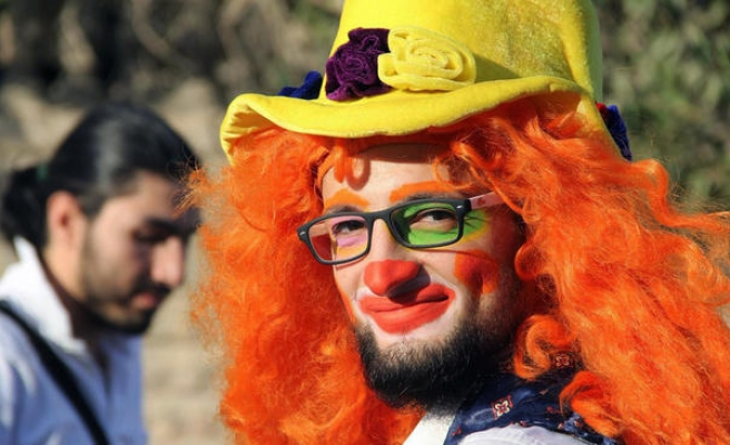 Clown who brought joy to Syria's children killed in air strike