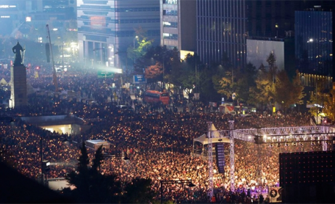 Mass protest demands arrest of S. Korea president