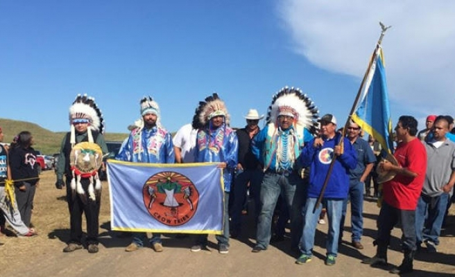 US veterans join Sioux tribe elders in protest