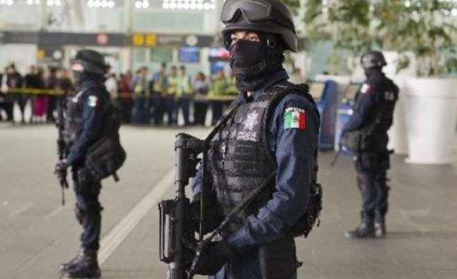 14 suspects killed in shootout with Mexico police