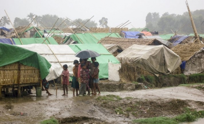 Up to 12,000 Rohingya children flee violence weekly