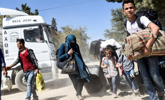 Refugees from Syria's Aleppo seek safety in Jarabulus