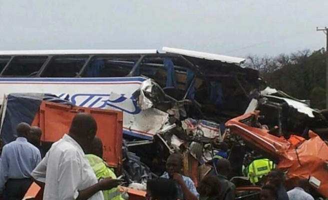 25 killed in bus accident in western DR Congo