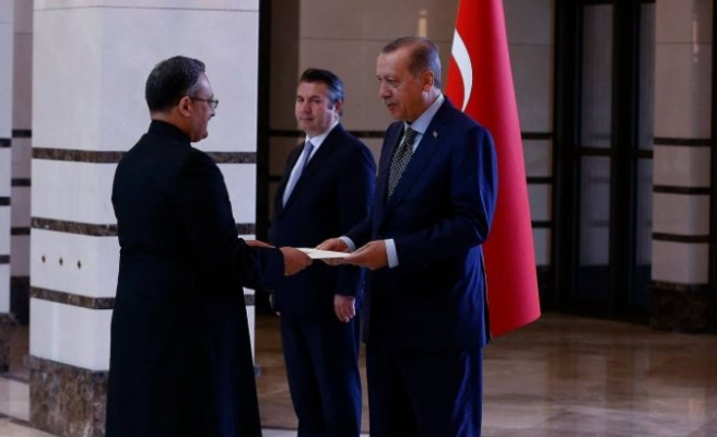 Erdogan welcomes newly appointed ambassadors to Turkey