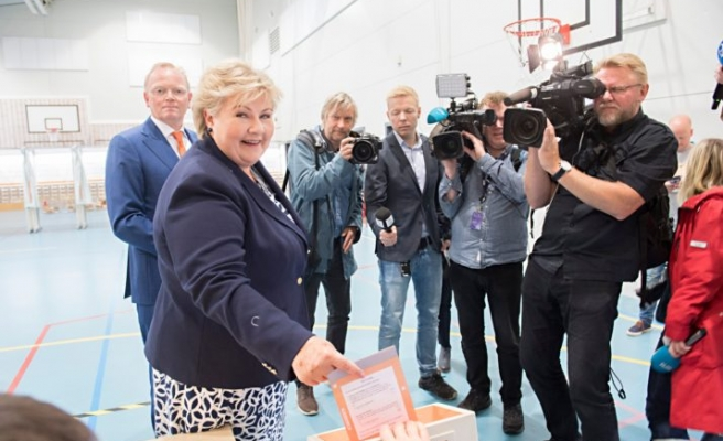 Norway's conservatives secure second term in government