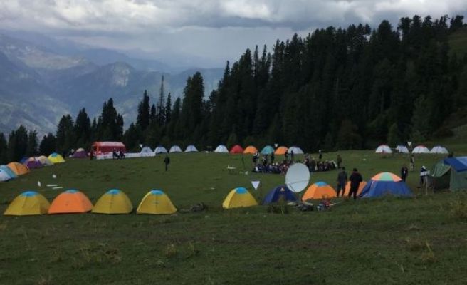 One Week with 100 Pakistani Young People in the Himalayas