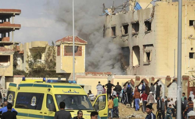 Death toll from Egypt Sinai mosque bombing hits 235