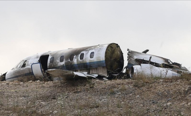 2 killed as small plane crashes in UK