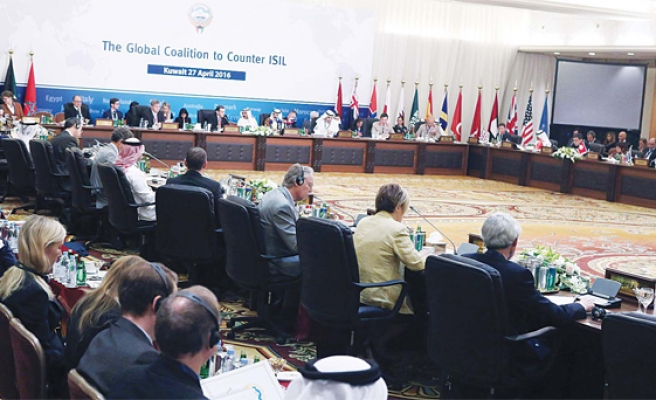 Anti-ISIL coalition meeting starts in Kuwait