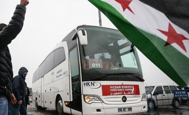 All-women convoy continues journey for Syrian women