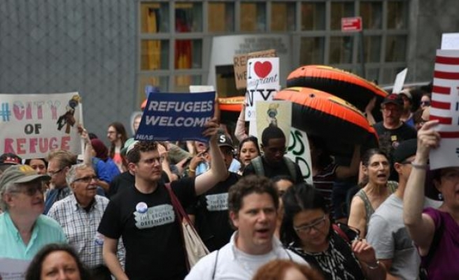 Thousands mark World Refugee Day in New York