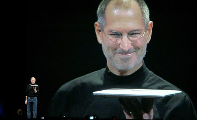 Steve Jobs' emails used against Apple in lawsuit