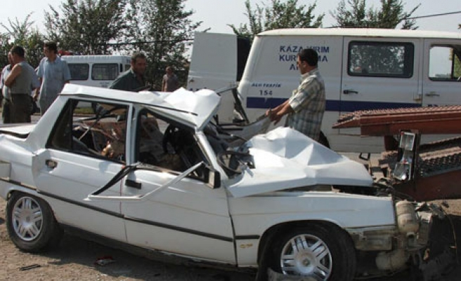 16 killed, 16 injured in weekend traffic accidents
