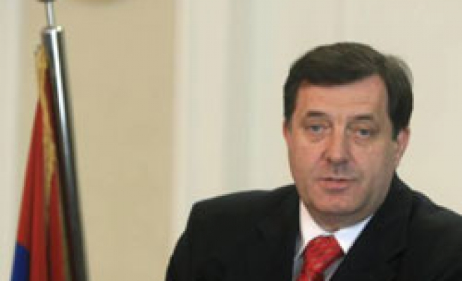 United States cuts aid to Bosnian Serb ruling party