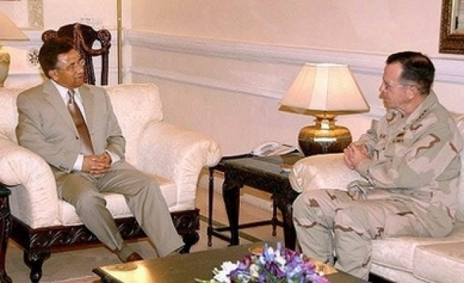 US military chief holds talks with Pakistan leaders