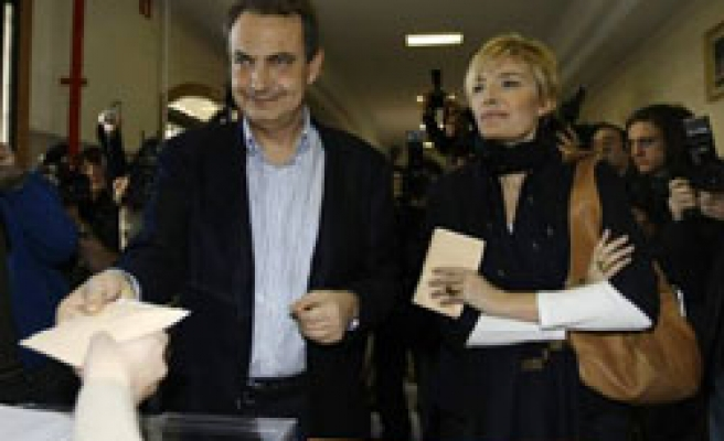 Spain decides whether to give Zapatero second term