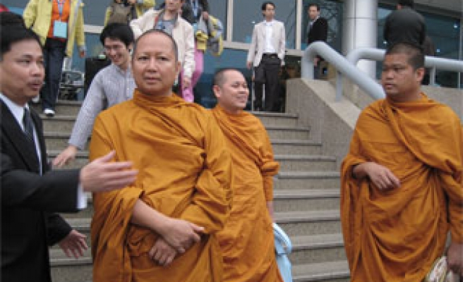 Thai Buddhist monks in Egypt for talks with Muslim leader