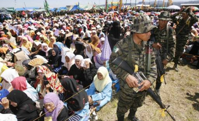 Moro Muslims dismiss Manila proposal