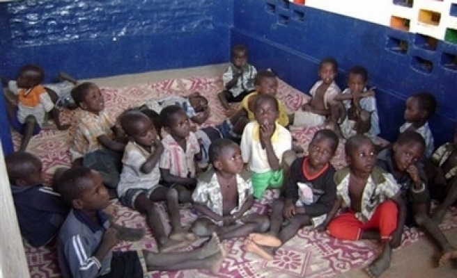 Chad sends French kidnapped children home