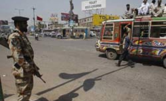 One foreigner killed in Pakistan restaurant blast