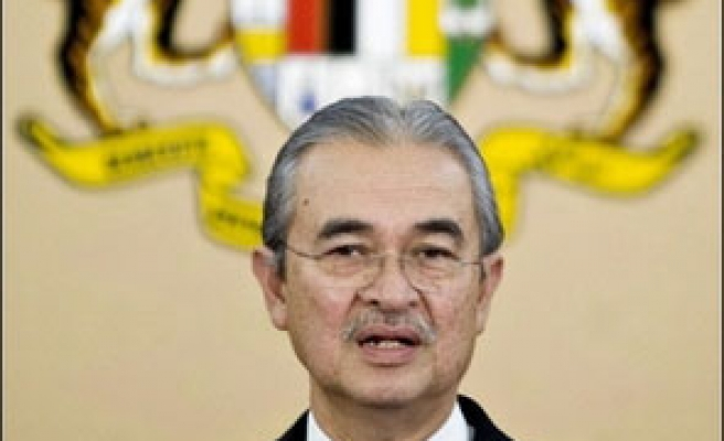 Malaysia PM shakes up cabinet after poll setback