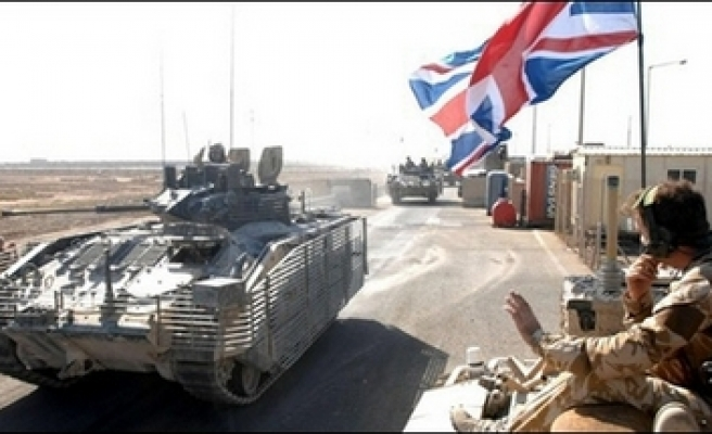 Britain to delay troop withdrawal from Iraq