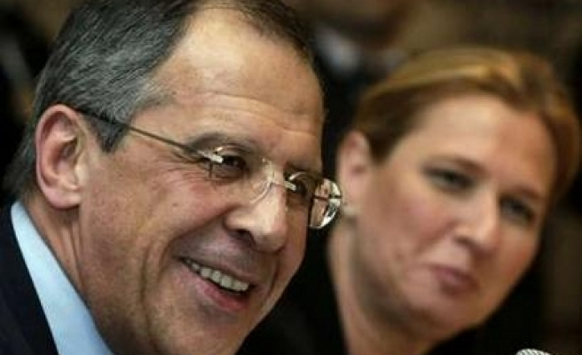 Israel, Russia agree on visa-free travel, sharing archive data